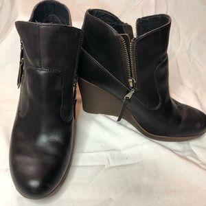 UGG Australia MYRNA Lodge Wedge Leather Bootie